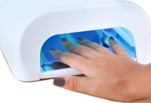 Lampe UV avec main